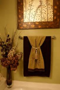 decorative towels 1st level bathroom idea