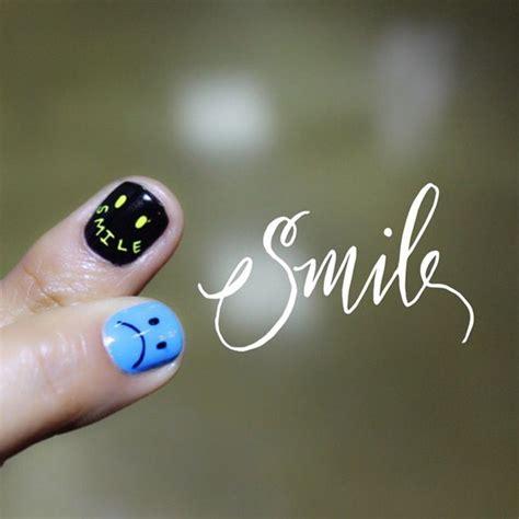 Smiley Nail