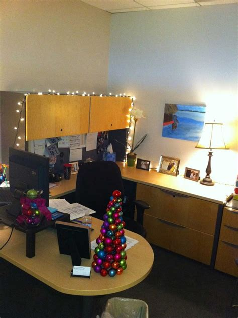 25 stunning office christmas decorations ideas