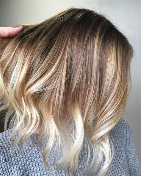 blonde hair with feathered low lights on ends balayage die besten 17 ideen zu natural blonde balayage auf