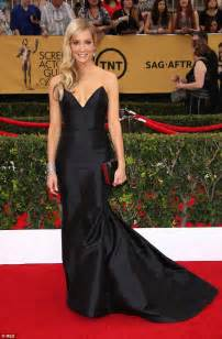 Classic Scrolldown Halliwells So So Ensemble by Joanne Froggatt Leads The Way As Downton Wins At Sag