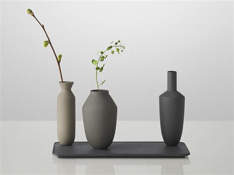 muuto vase buy the muuto balance 3 vase set at nest co uk