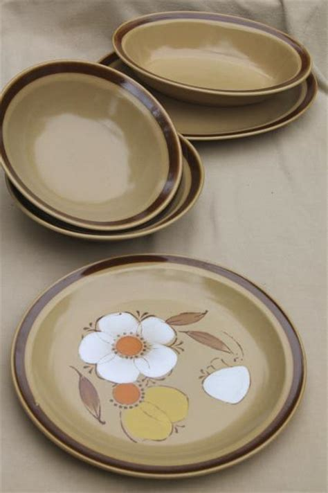 japanese pattern dinnerware 70s vintage heavy stoneware pottery dishes hearthside