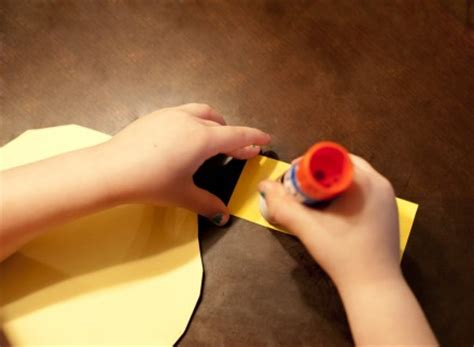 How To Make Glue For Paper - shape craft