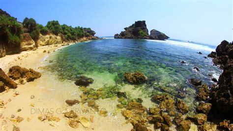 Tas Untuk Mambawa Fin Panjang Atau Fin Untuk Selam Freedive travel and photography travel journey from dimas g a priyanto pantai lambor si cantik yang