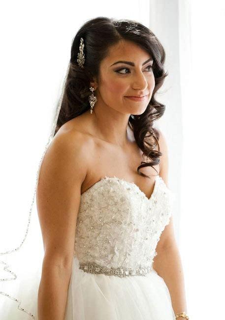 Pretty Wedding Hairstyles by Pretty Wedding Hairstyles