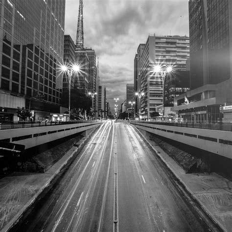 city street light bw night car wallpaper