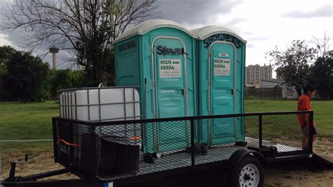 Mobile Showers For The Homeless by Mobile Showers Help The Homeless Wzzm13