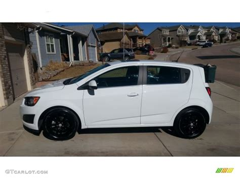 chevrolet sonic lt hatchback 2014 summit white chevrolet sonic lt hatchback 101697207