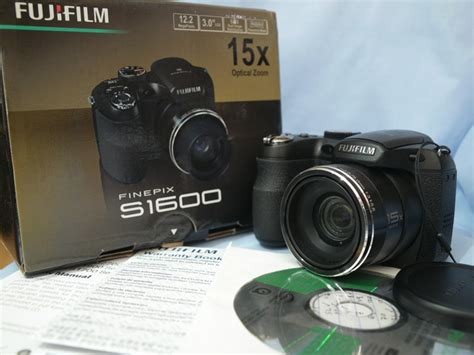 Baru Kamera Fujifilm Finepix S1600 fujifilm finepix s1600 digital 12mp 15x wide optical zoom 3 inch lcd boxed as new 99 99