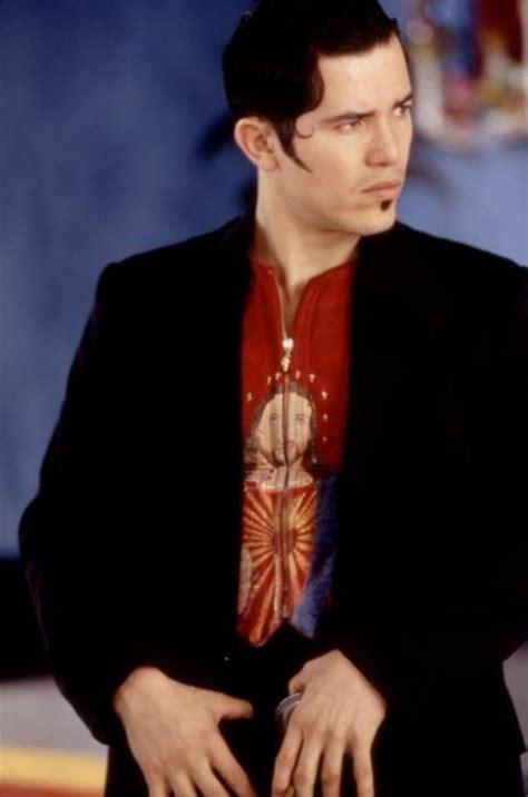 film gangster leonardo dicaprio 44 best images about romeo juliet 1996 on pinterest