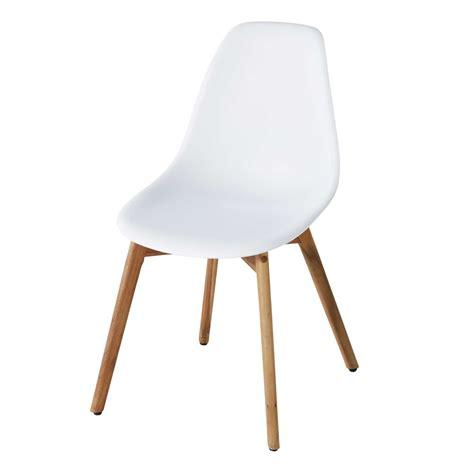 chaise de jardin blanche chaise de jardin scandinave blanche lima maisons du monde