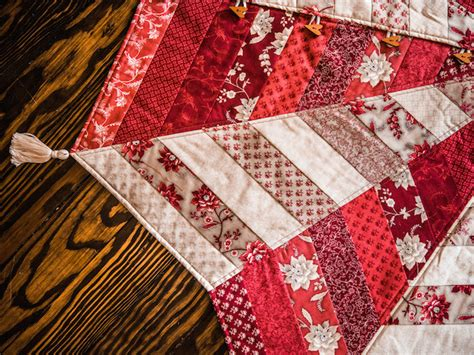 enter to win two holiday quilting kits from craftsy