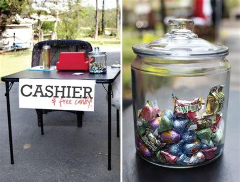 Kitchen Table Garage Sale 25 Best Ideas About Garage Sale Signs On Yard