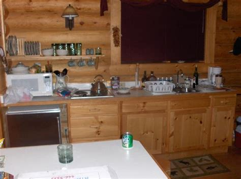 beartooth hideaway inn cabins lodge mt