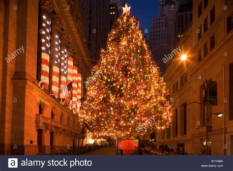 financial district christmas tree lights broad financial district manhattan new stock photo royalty free