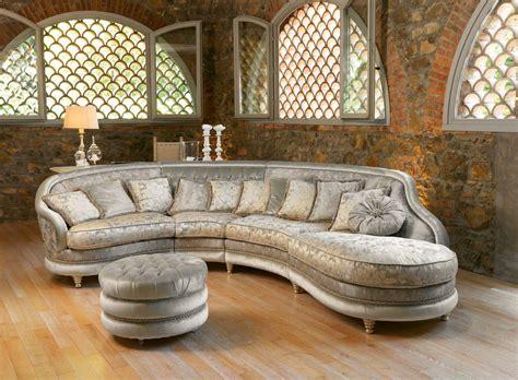 halbrunde sofas im klassischen stil sofa im klassischen stil gepolstert getuftet idfdesign
