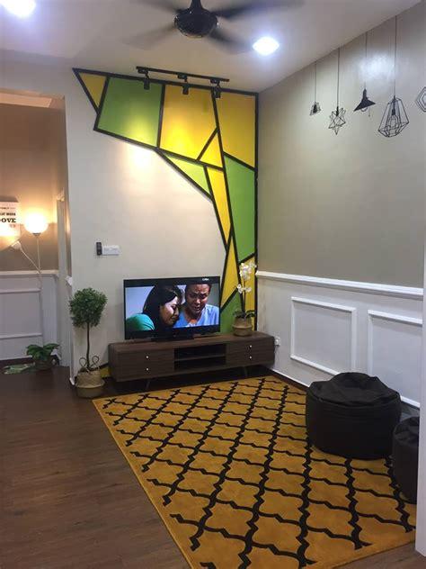 gambar wanita  buktikan ruang tamu memanjang