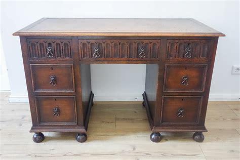 Alter Schreibtisch Swalif