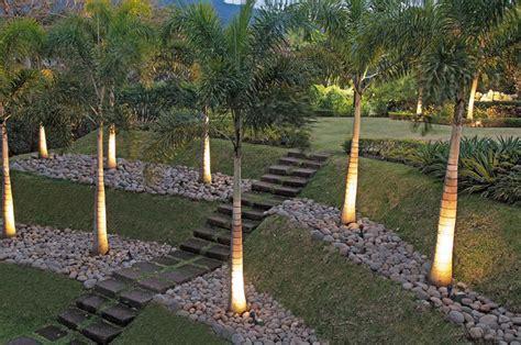 uphill backyard landscaping how to landscape uphill backyard izvipi com
