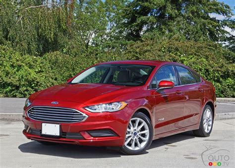 Ford Fusion Hybrid by 2017 Ford Fusion Hybrid S Will Save You A Ton Of