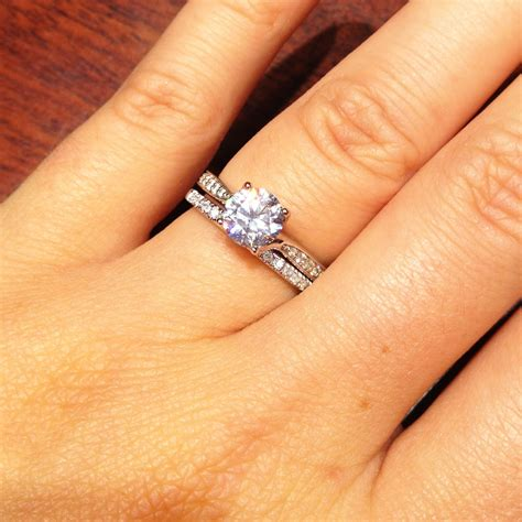 how to wear wedding band and engagement rings together