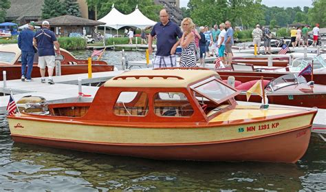 larson wood boats a spectacular 1953 larson cabin special owned by denny van