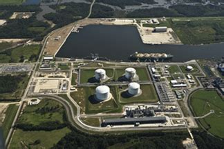 energy transfer signs mou  lake charles lng liquefaction project bic magazine