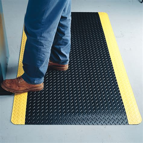 Wearwell Mat by Wearwell 174 Diamondplate Flex Link Mats Anti Fatigue Mats