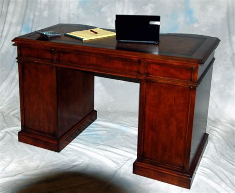 Small Cherry Kneehole Office Desk Leather Top Ebay Small Cherry Desk