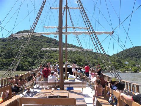 barco pirata florianopolis preço despedida de balne 225 rio de cambori 250 barco pirata e