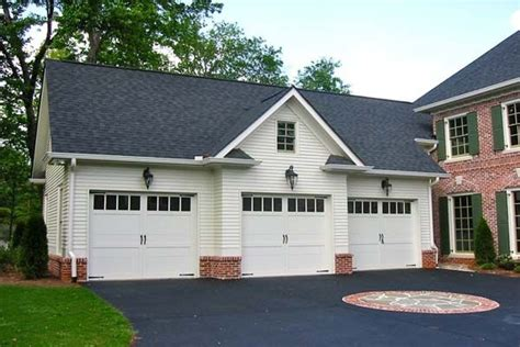 house with apartment attached 136 best images about carriage houses and garages on pinterest