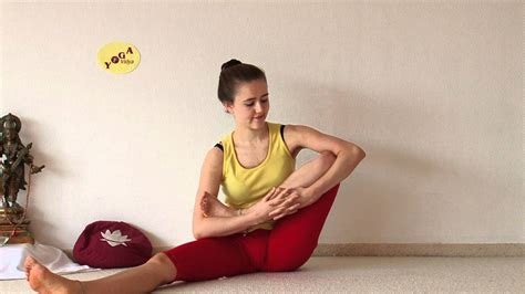 How To Sit In The Lotus Position Developing Lotus Flexibility Preparing Padmasana