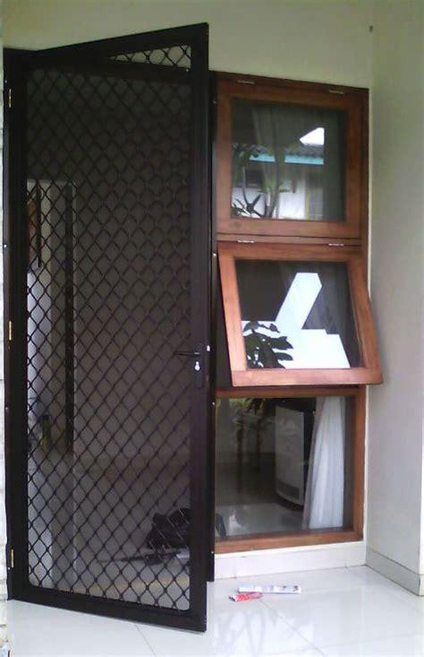 Kunci Kawat Nyamuk Kunci Expanda pintu kawat nyamuk aluminium distributor resmi