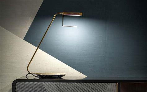 illuminazione da tavolo blade da tavolo baxter illuminazione