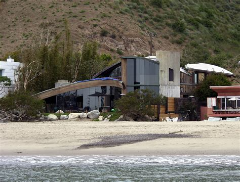 Courteneys Malibu Pad Up For Sale by Courteney Cox Malibu Ca Homes Lonny
