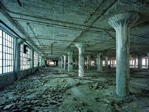 decay in detroit: photos of a ruined city — shocklee