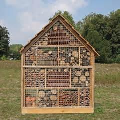 photos illustrations et vid 233 os de quot maison des insectes quot