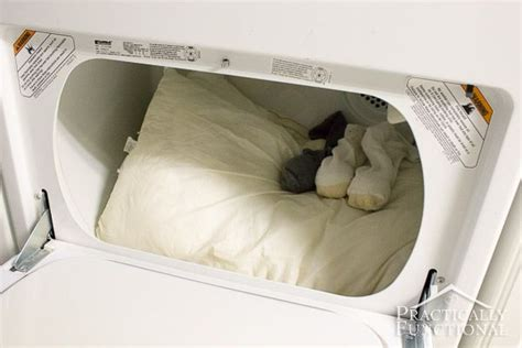 how to wash bed pillows how to wash and whiten pillows in the washine machine