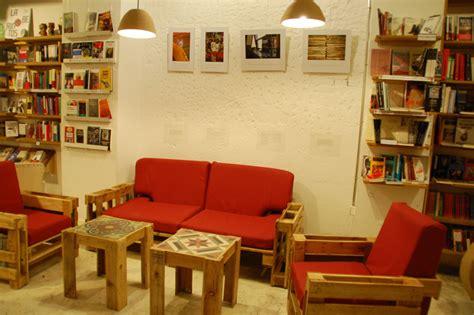 libreria caffetteria ubik caffetteria una libreria e un caff 232 arredato con
