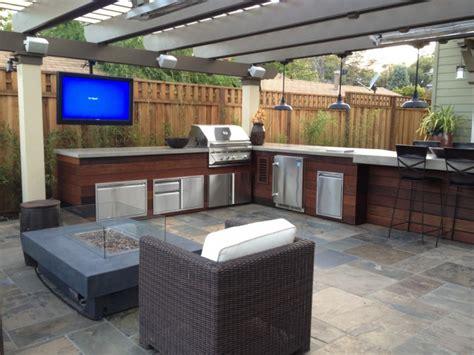 modern outdoor kitchens 30 outdoor kitchen designs ideas design trends