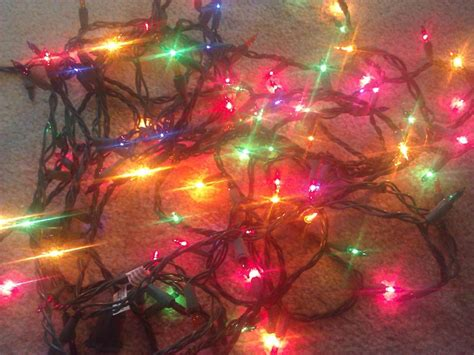 best way to set up christmas lights the best way to store lights modern homemaker single edition