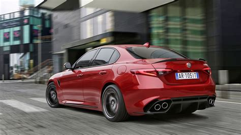 alfa romeo alfa romeo giulia quadrifoglio 2016 review by car magazine