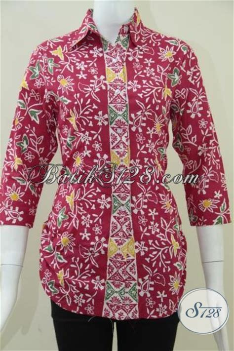 Dompet Imlek baju batik wanita warna merah untuk perayaan imlek