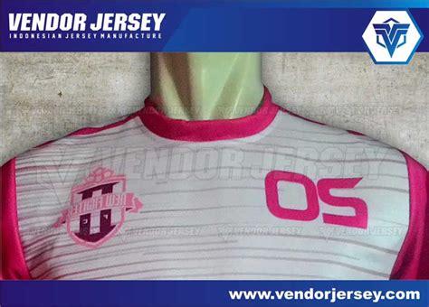 desain kerah lubang leher pembuatan baju futsal vendor bentuk lubang leher bikin jersey bola futsal berkerah