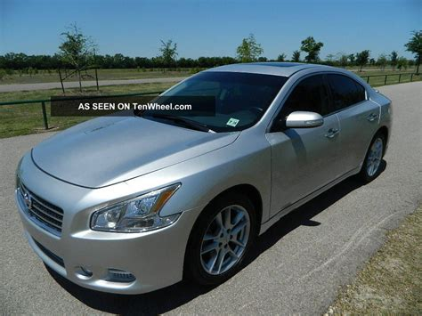2010 nissan maxima 3 5 sv bose rearview