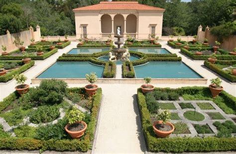 italian renaissance garden hamilton gardens boxwood