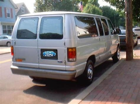 how to learn about cars 1992 ford econoline e350 seat position control vonzai6 1992 ford econoline e150 passenger specs photos modification info at cardomain