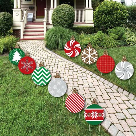 Home Made Outdoor Decorations by 40 Festive Diy Outdoor Decorations