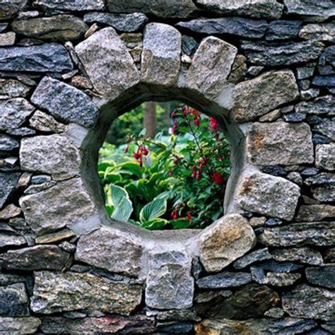 gabionen für kleine steine garten idee mauer
